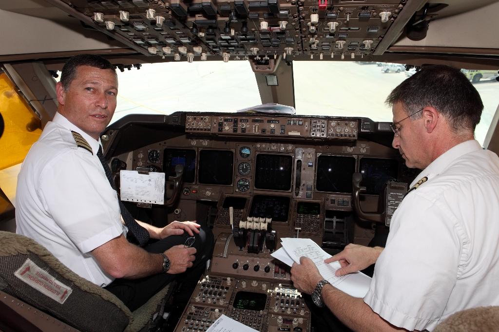 טיסות אל על יושבתו? הטייס הראשי מאיים להתפטר