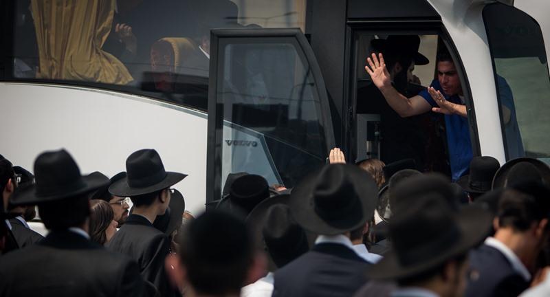 שבת שירה: מאות נוסעים נתקעו בבבני ברק
