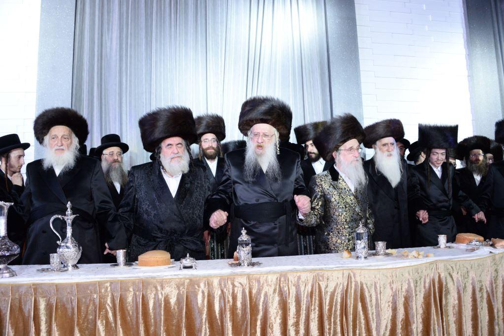 טשארנאביל, מעליץ, פאפא ולעלוב חגגו יחד