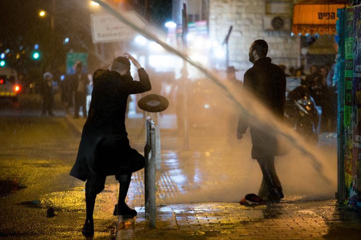 """ח""""כ גליק מגיב לתיעוד השוטר האלים מההפגנה"""