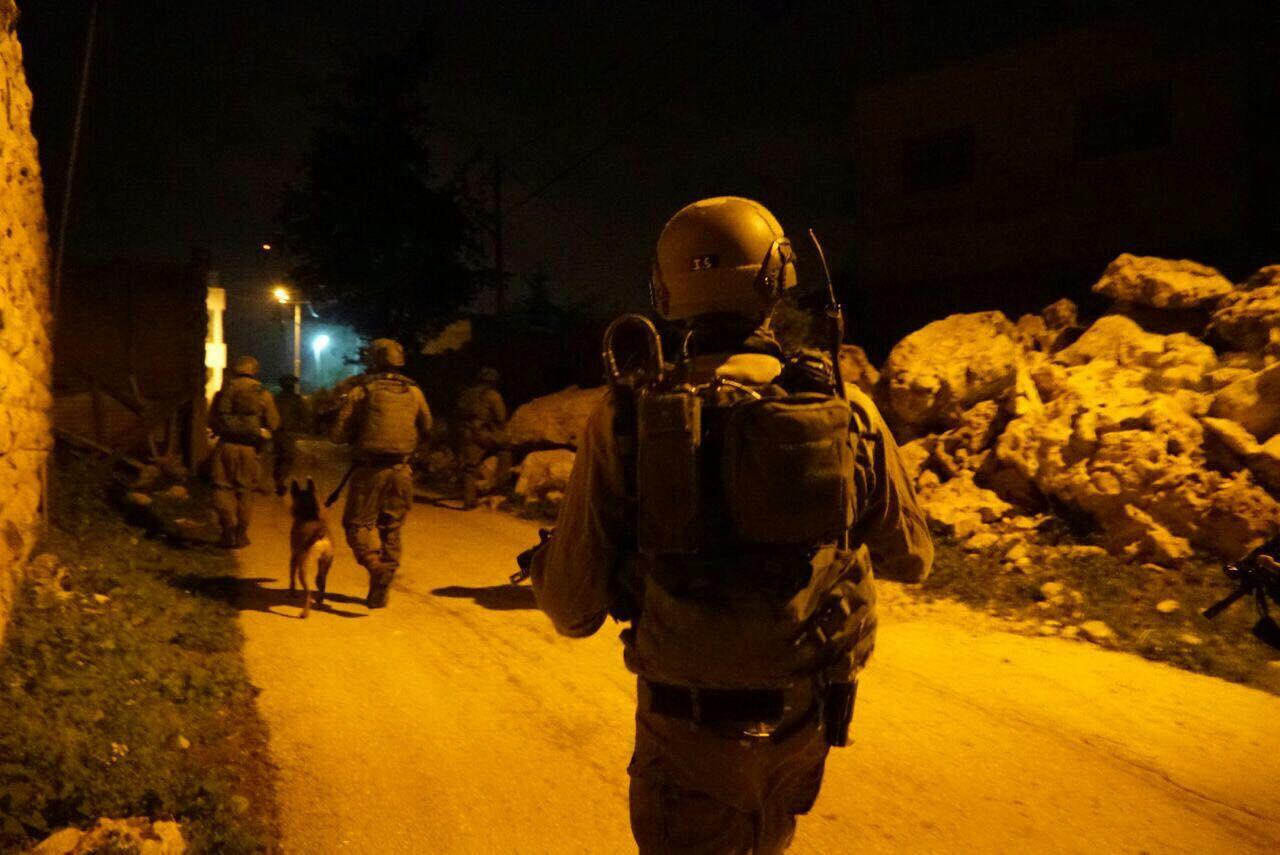 """1200 נכנסו לקבר יוסף; חייל צה""""ל נפצע קל"""