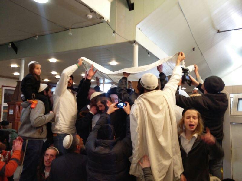 חתונה באומן: זוג ישראלי נישא אמש, הכלה בת 15 • תיעוד