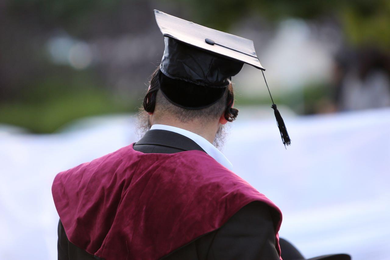 סקר: הציבור החרדי מתקשה לפרנס וללמוד לתואר בו-זמנית