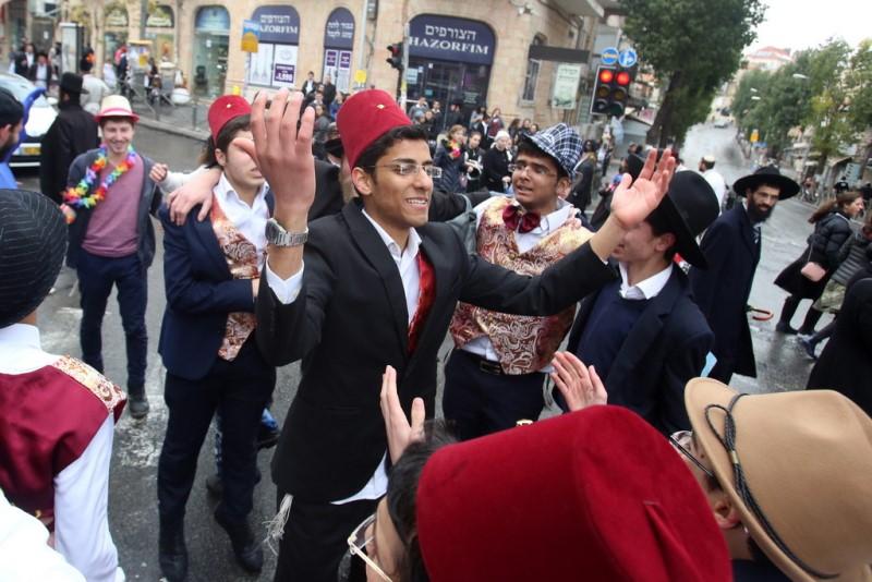 ועיר הבירה צהלה ושמחה: תיעוד ענק מחגיגות פורים בירושלים
