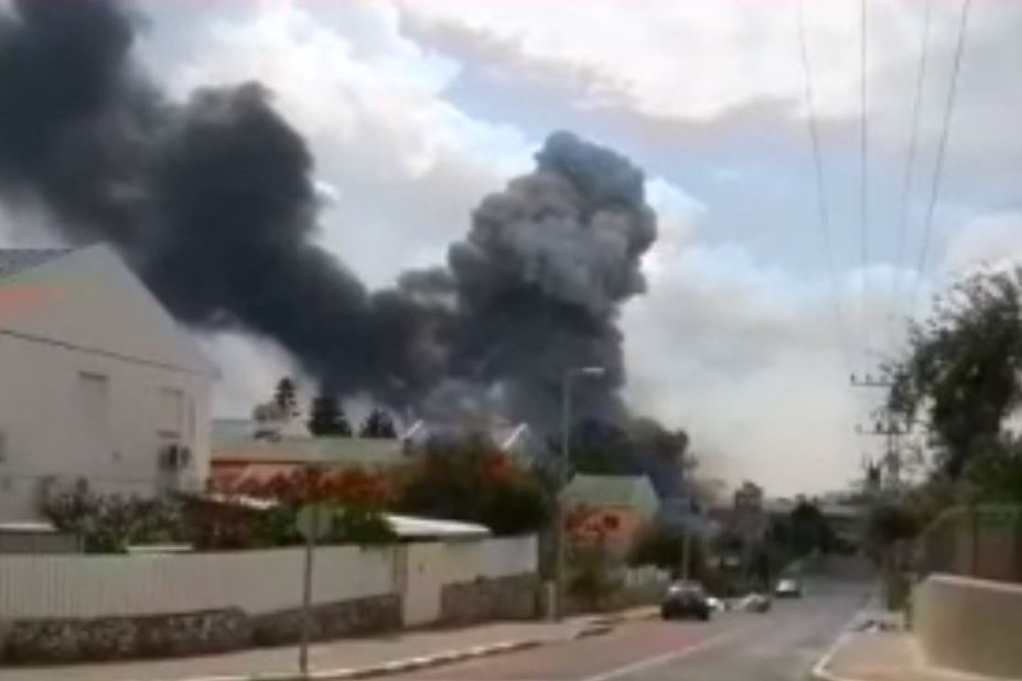 Shocking Footage: Fire Breaks Out In Fireworks Factory In Israel