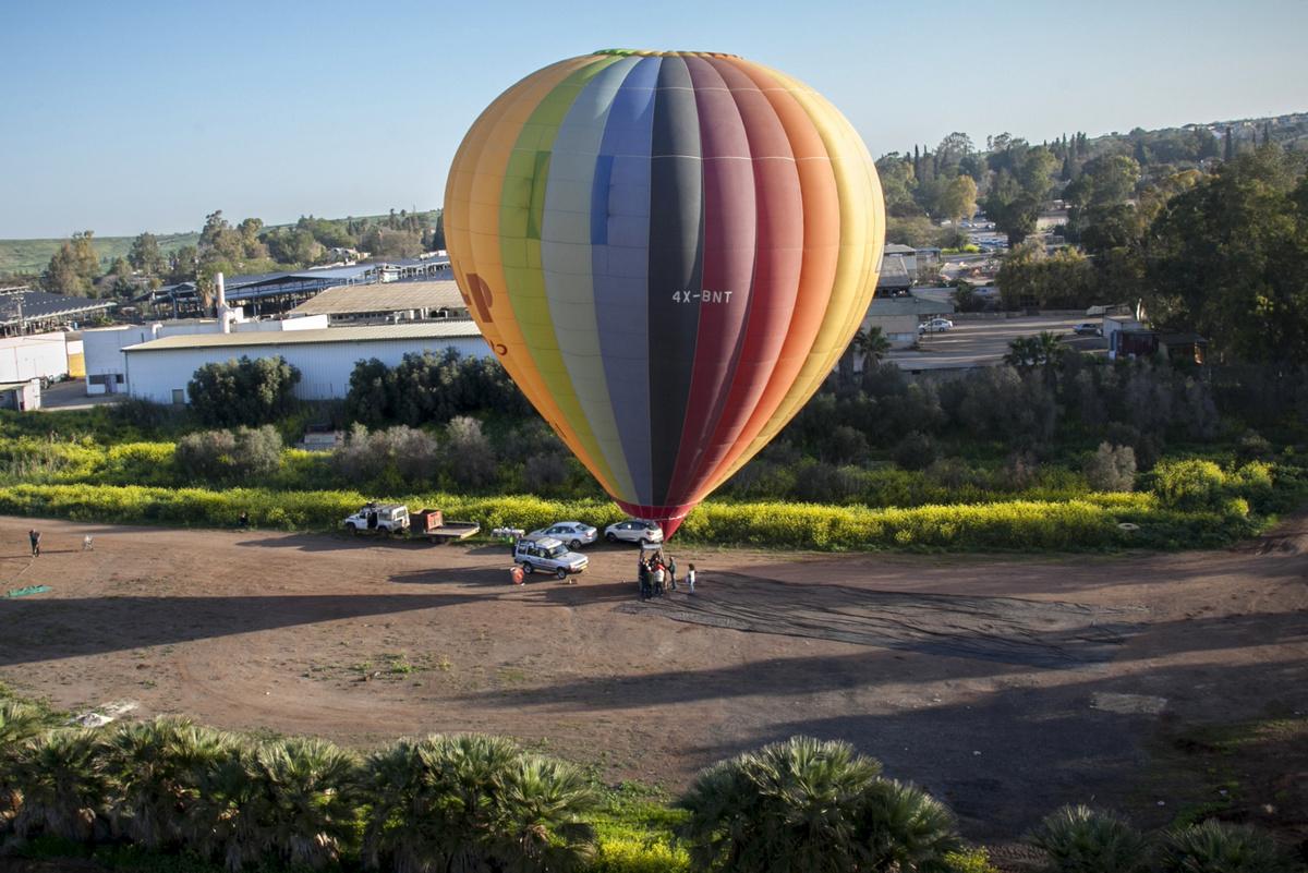 בואו לטיסה בכדור פורח בעמק יזרעאל • גלריה