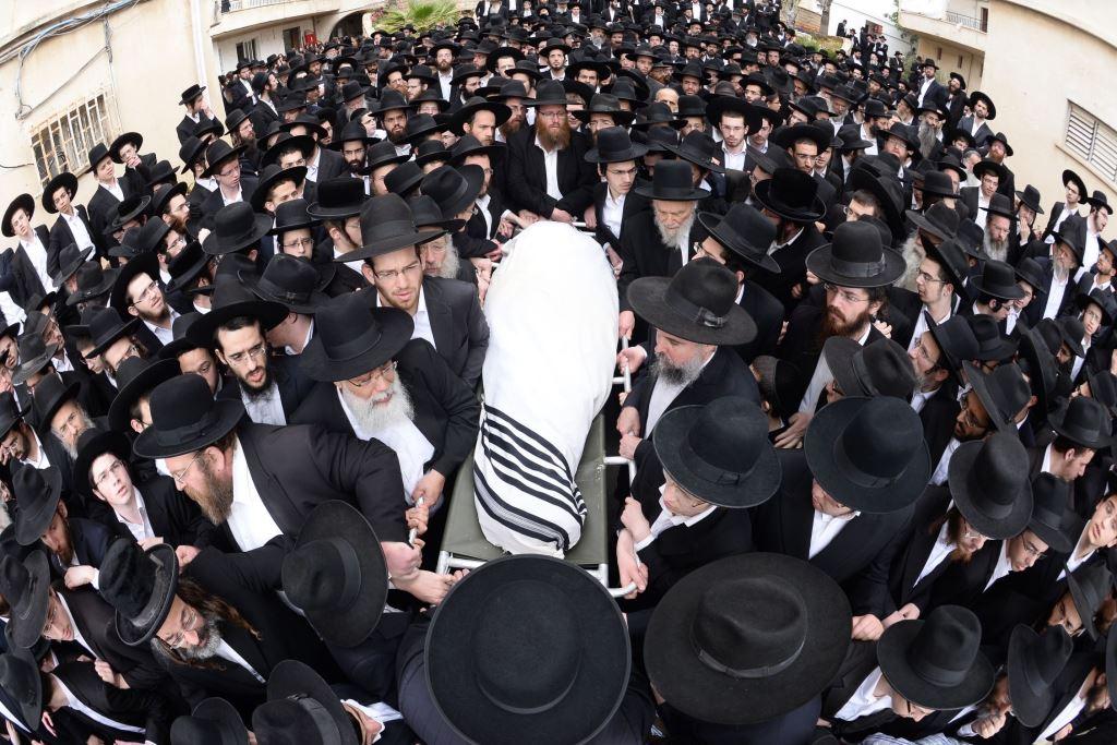 בבני ברק ובירושלים: תלמידי סלבודקה מיררו בבכי • צפו