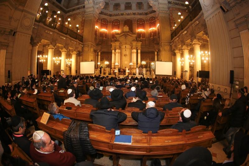 גלרייה מרהיבה מרומא: המוזיאון ובית הכנסת