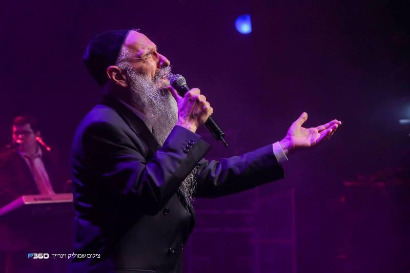 צפו: מרדכי בן דוד בריקוד עם נכדתו