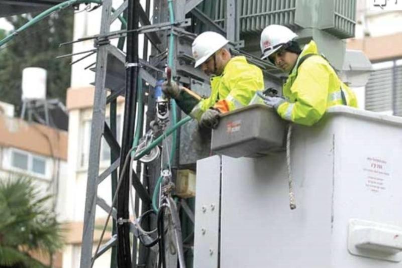 חמישה בכירים בחברת חשמל נשלחו למאסר