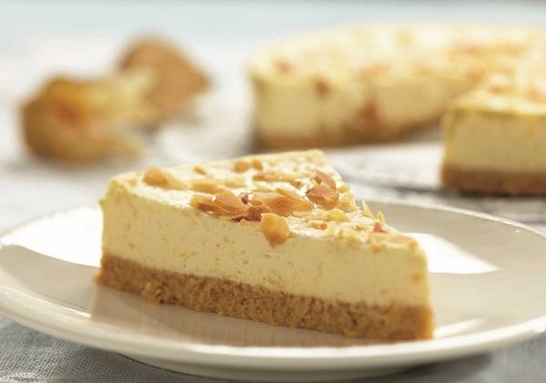עוגת גבינה ומולר - מעדן של מתכון